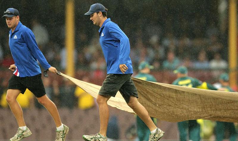 Ind-Aus-rain.jpg--edited