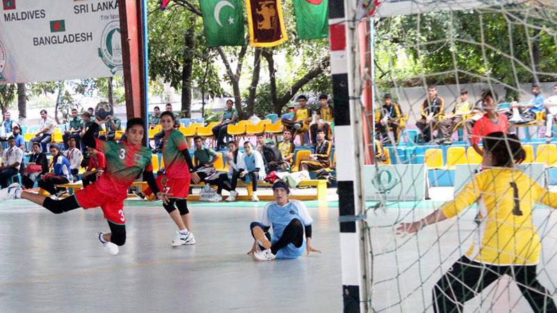 Handball.jpg-2