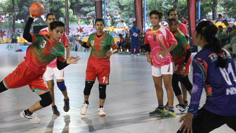 Handball.jpg-3