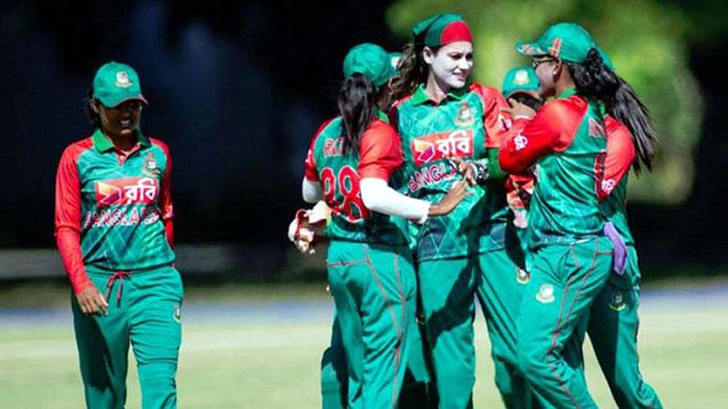 women-Cricket